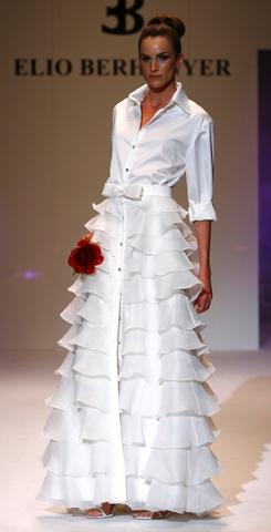 Vestido de Elio Berhanyer