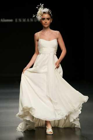 pasarela puerta de europa 2009 – vestidos de novia: mercedes alonso