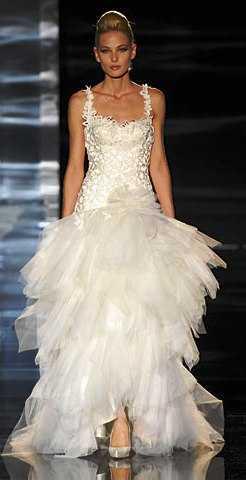 vestido_de_novia_hannibal_laguna1