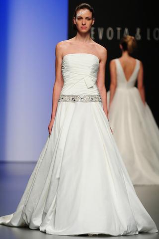 vestidos de novia para el 2011 de devota & lomba | web de la novia