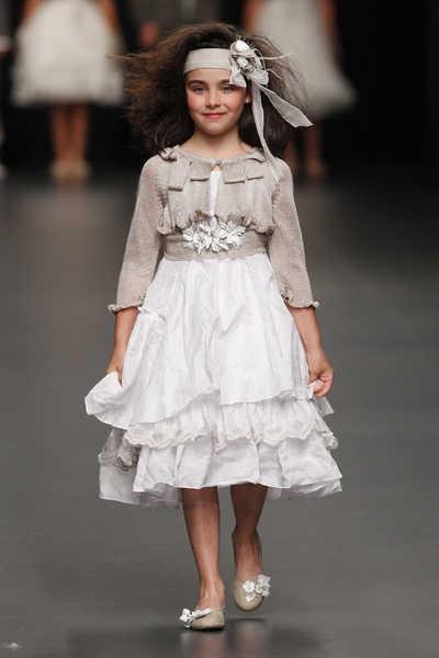 Vestidos de ceremonia para niños en Cibeles Madrid Novias 2011