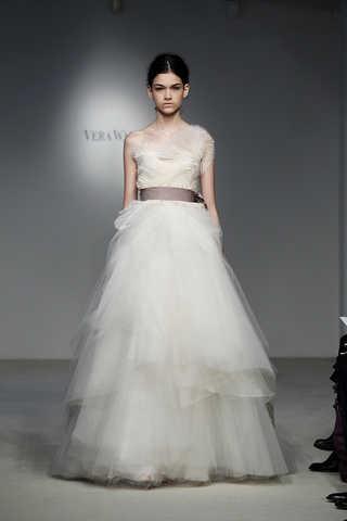 vestidos de novia con faldas voluminosas de vera wang | web de la novia