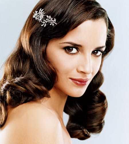 uno de los elementos ms importantes es el peinado que luzcas ese da mismo que debe resaltar tus mejores atributos y te haga ver como una princesa