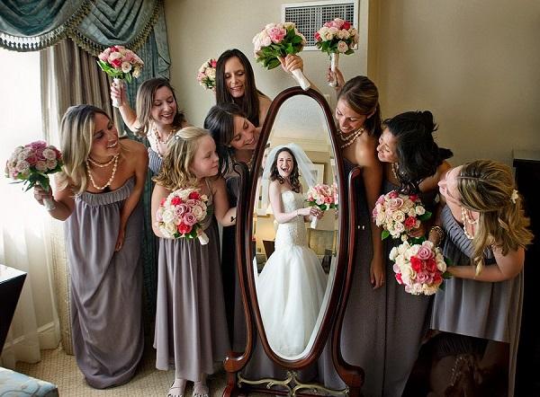 Una adorable fotografía en la que la novia sigue siendo la protagonista