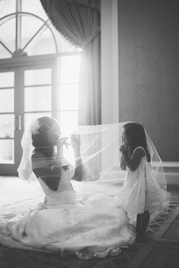 Los niños son adorables, la novia luce adorable, ¡es la combinación perfecta!